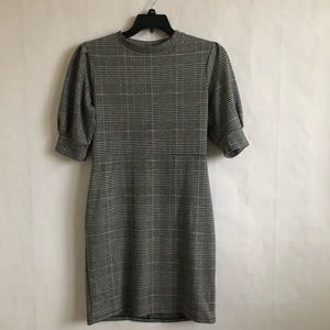 H & M Ruched Sleeve Dress